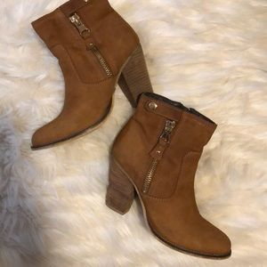 ALDO CHESTNUT BOOTIES WITH GOLD DETAIL GUC